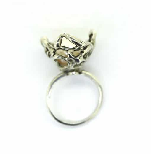 Little nest ring with baroque pearl