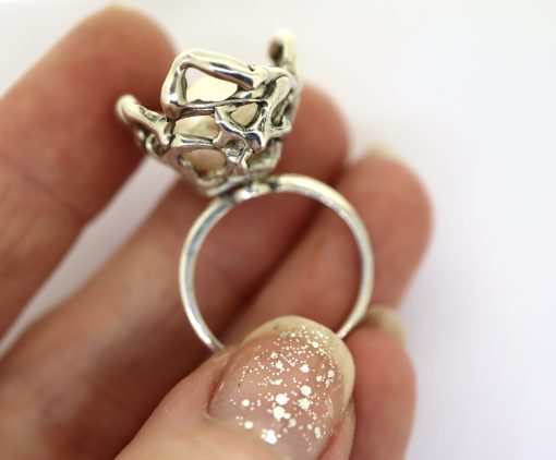 Little Nest Ring with baroque pearl egg
